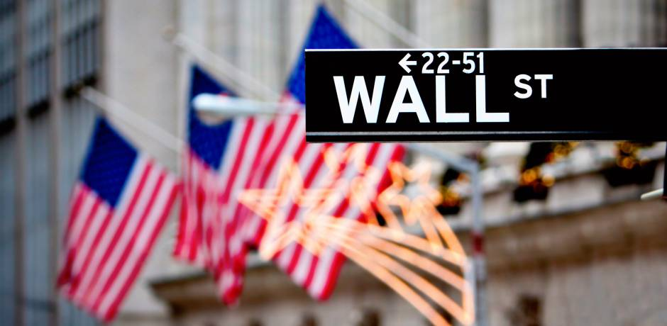 Wall Street démarre la semaine en baisse