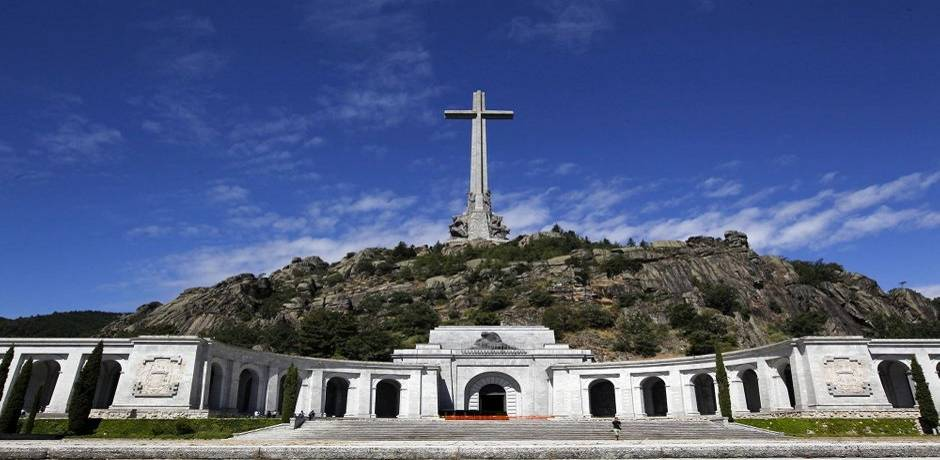 Espagne : la Cour suprême refuse de suspendre l'exhumation des restes de Franco