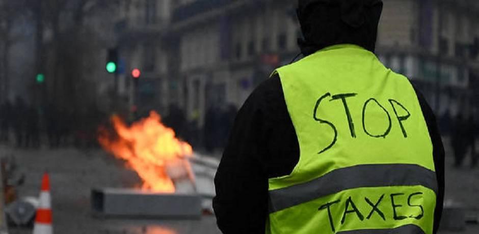 """France: les """"gilets jaunes"""" manifestent pour le dixième samedi consécutif"""