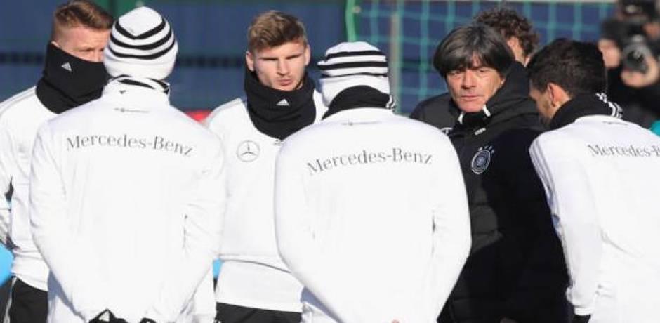 مركز حراسة مرمى المنتخب الألماني محجوز حتى 2020