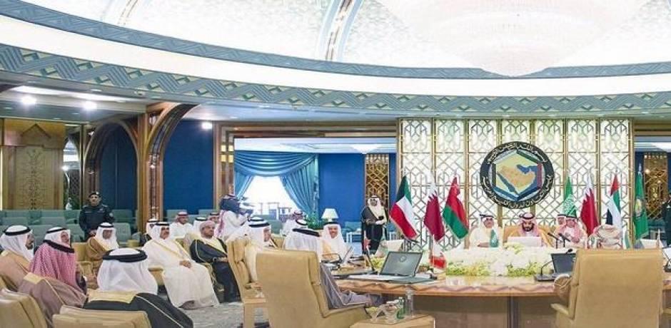 البيان الختامي للقمة الخليجية يؤكد على ضرورة توحيد العمل العسكري
