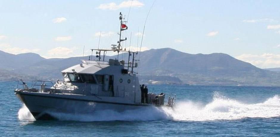 البحرية الملكية تقدم المساعدة لـ196 مرشحا للهجرة السرية بعرض ساحل الناضور