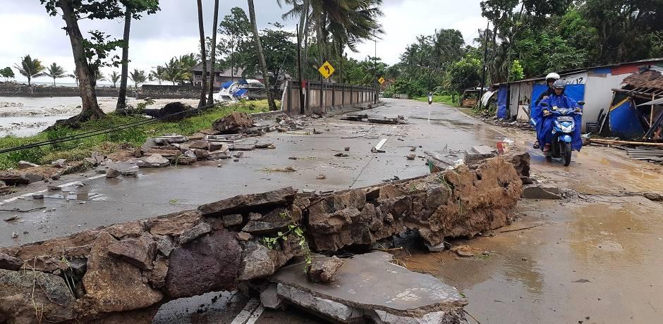 تسونامي نجم عن ثوران بركاني يودي بأكثر من 220 شخصا في إندونيسيا