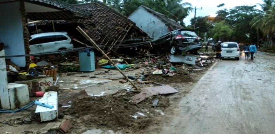 حصيلة التسونامي بإندونيسيا تتجاوز 370 قتيلا