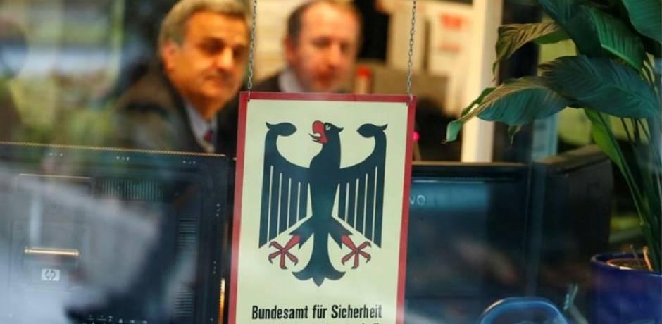 طالب ألماني يعترف بالتسلل الإلكتروني لبيانات ميركل وآخرين