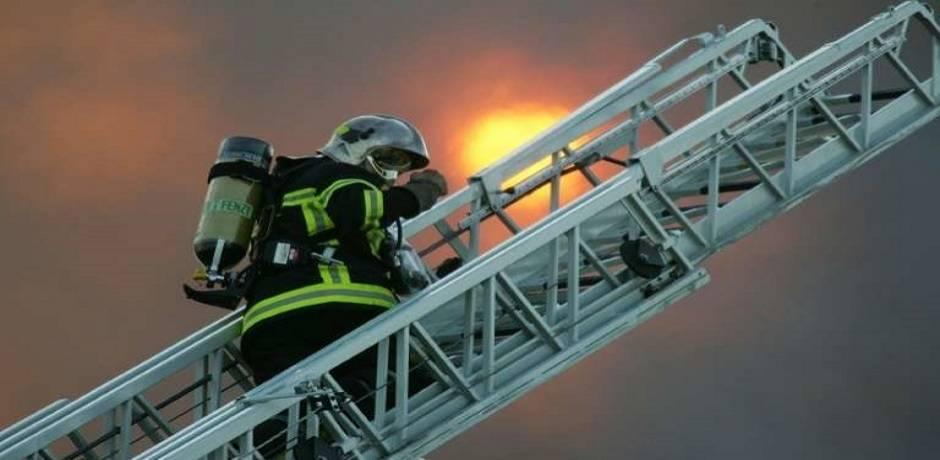 """Toulouse: 19 blessés dont 2 en """"urgence absolue"""" dans un incendie d'immeuble (pompiers)"""