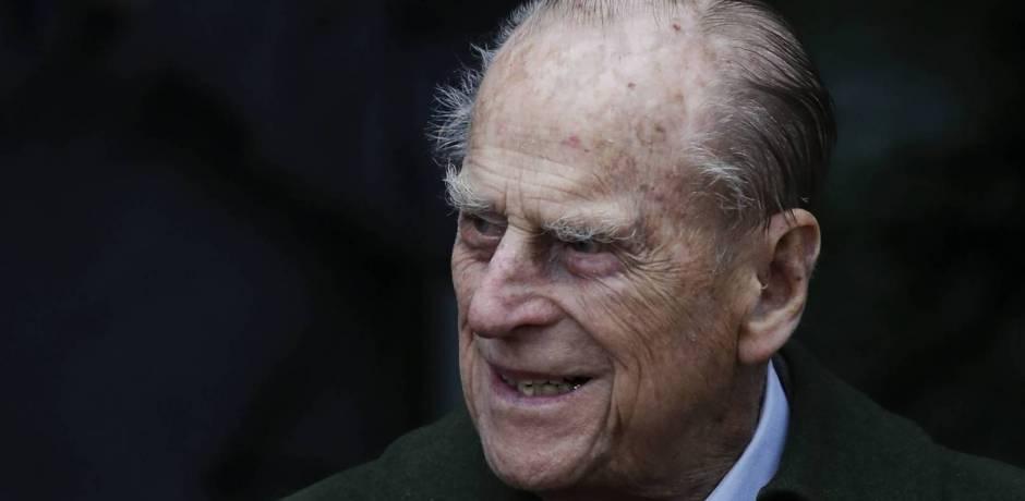 نجاة الأمير البريطاني فيليب من حادث سيارة دون إصابات