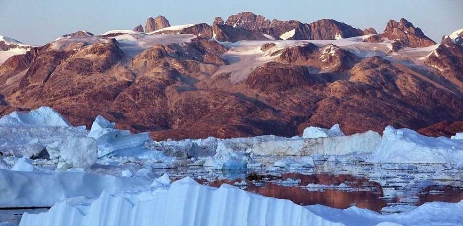 La fonte des glaces au Groenland multipliée par quatre en dix ans (étude)