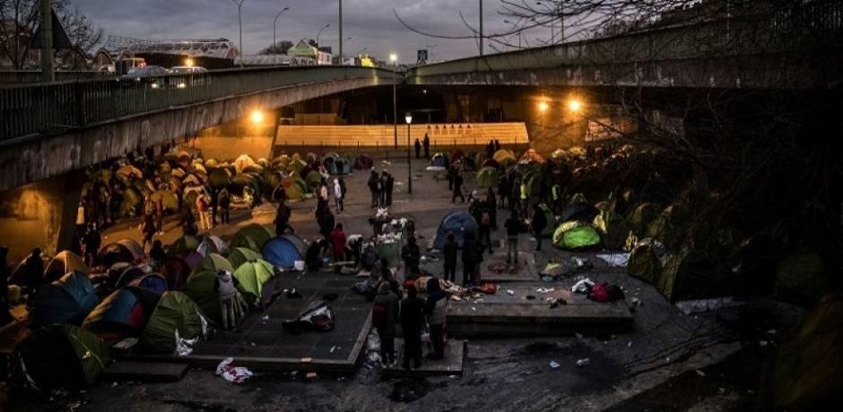 Près de 130 migrants évacués d'un campement insalubre à Paris