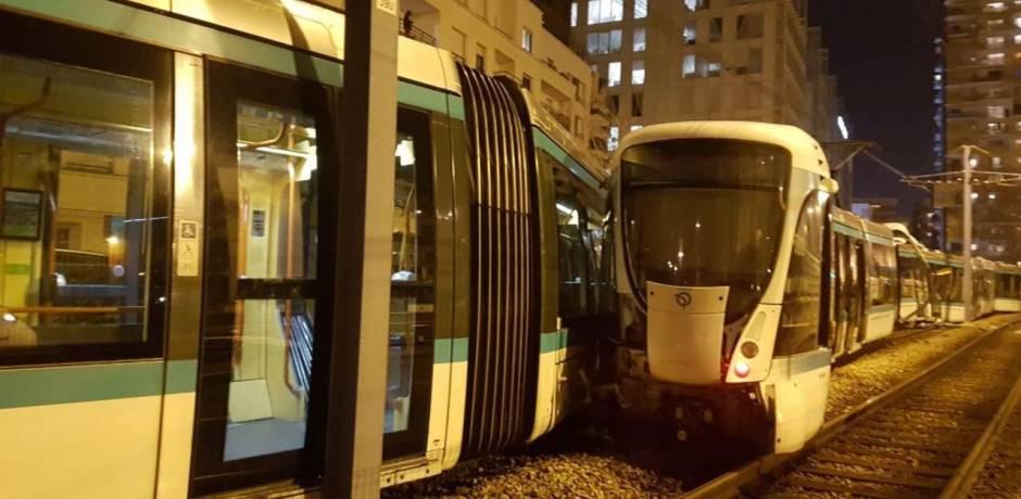 إصابة 12 شخصا جراء تصادم عربتي طرامواي في إحدى ضواحي باريس