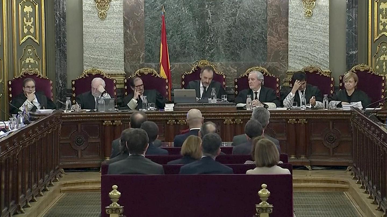 الأجواء الملبدة بين مدريد وكاتالونيا بسبب محاكمة قيادات انفصاليين تتصدر عناوين الصحافة العالمية