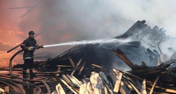 كلميم.. اندلاع حريق بسوق للمتلاشيات