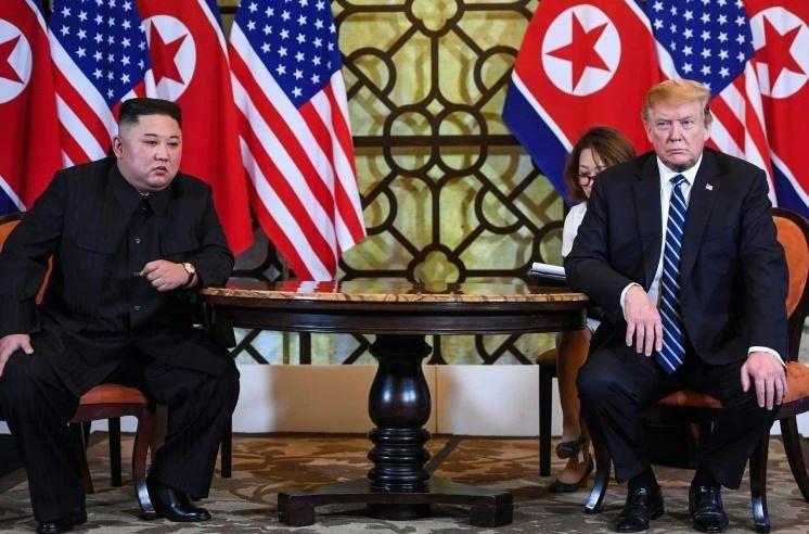 """ترامب تلقى """"رسالة رائعة"""" من كيم جونغ أون"""