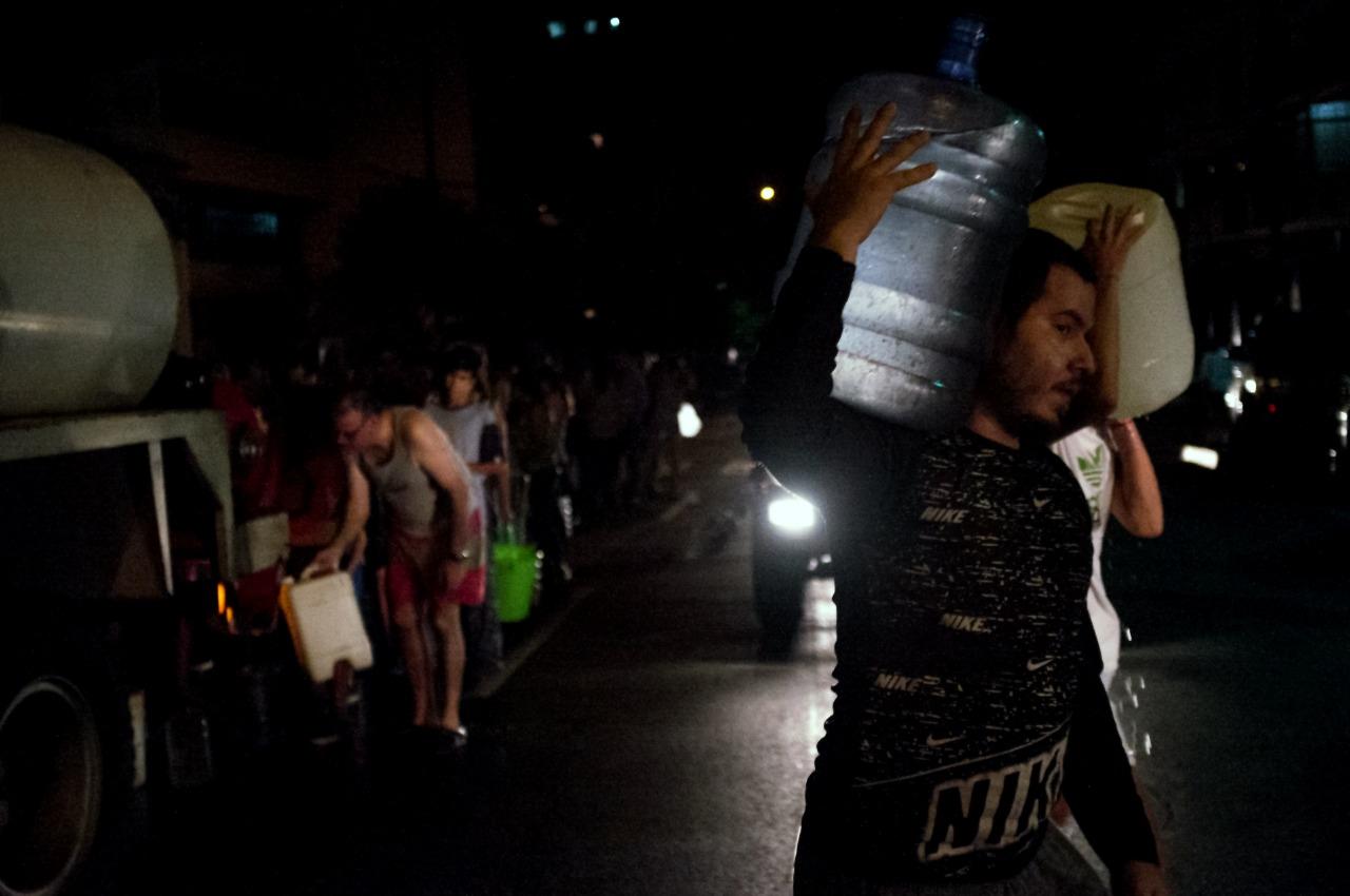 فنزويلا: عودة الكهرباء إلى جميع أنحاء البلاد واستئناف العمل في المؤسسات
