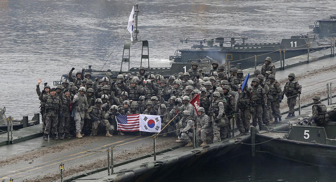 الولايات المتحدة وكوريا الجنوبية توقفان المناورات العسكرية المشتركة الواسعة النطاق