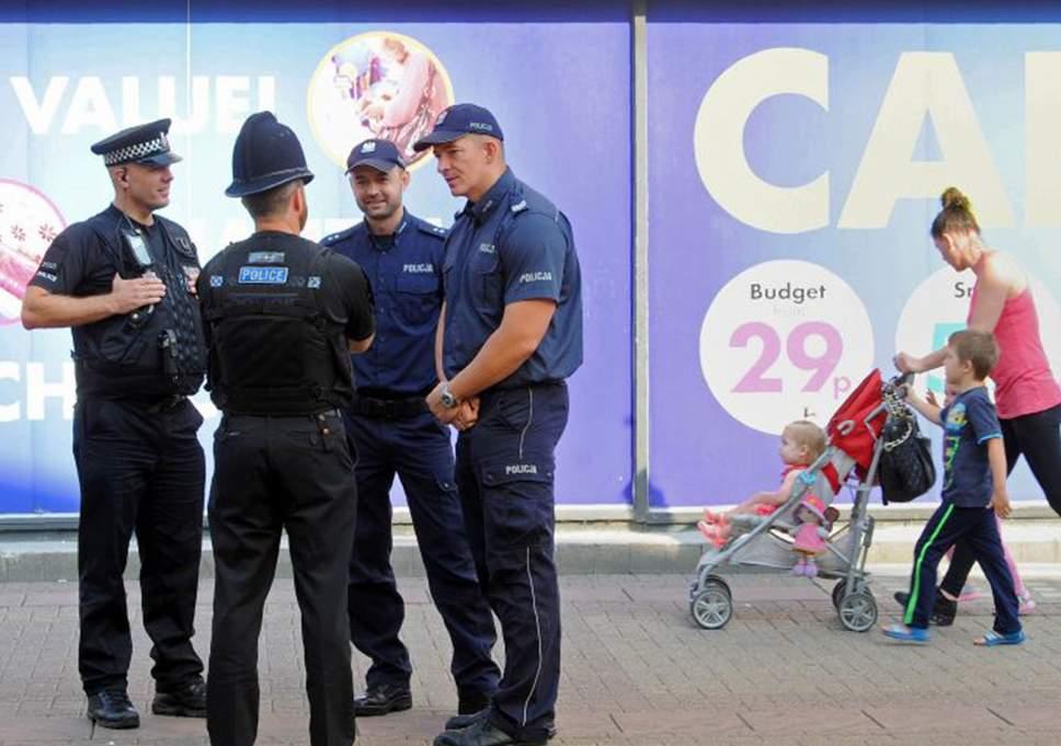 بولونيا :الشرطة توقف سيدة تعرض طفلها للبيع على الأنترنيت