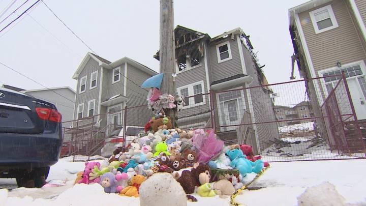كندا تلم شمل عائلة سورية فقدت أطفالها السبعة في حريق