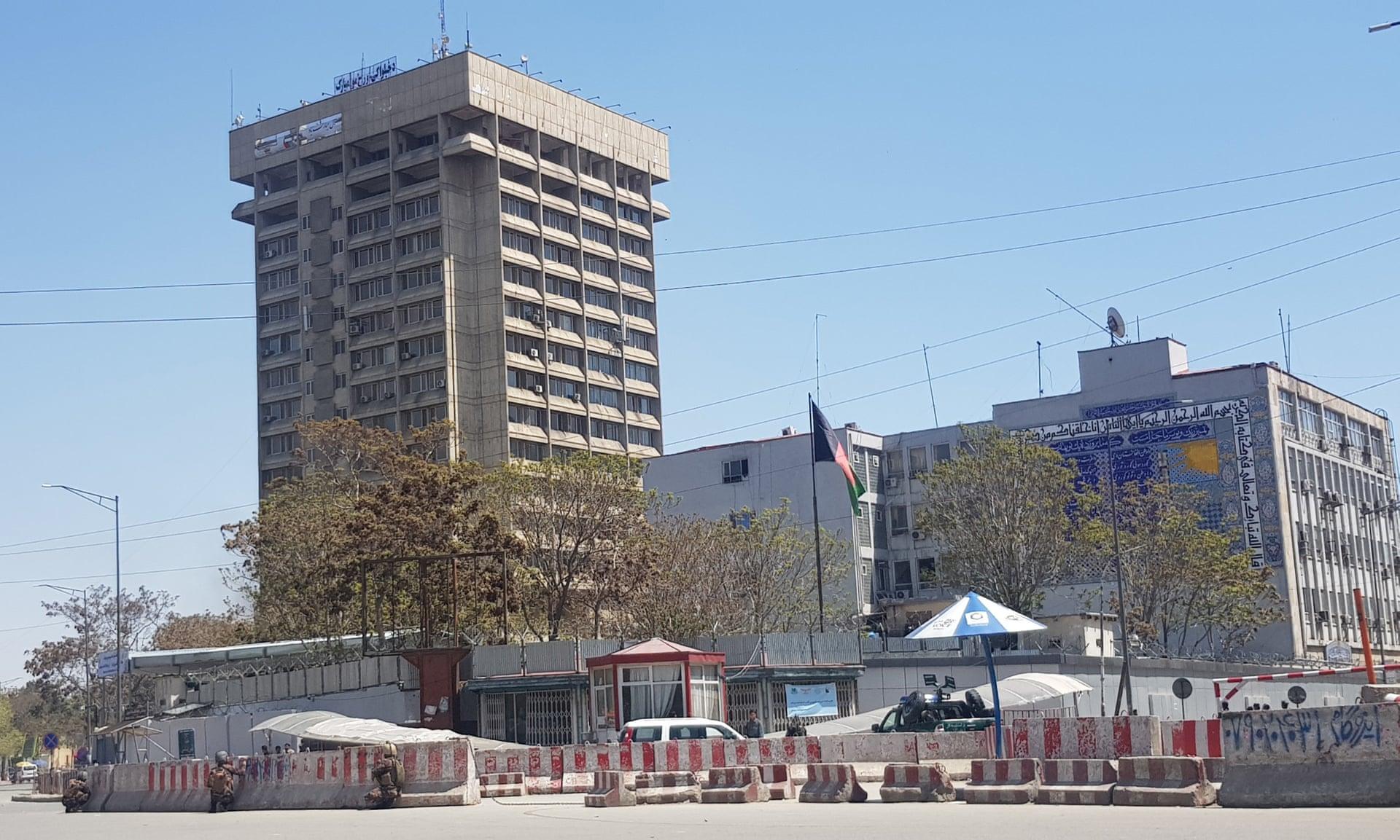 انتحاريون يهاجمون مبنى وزارة الاتصالات وسط كابول