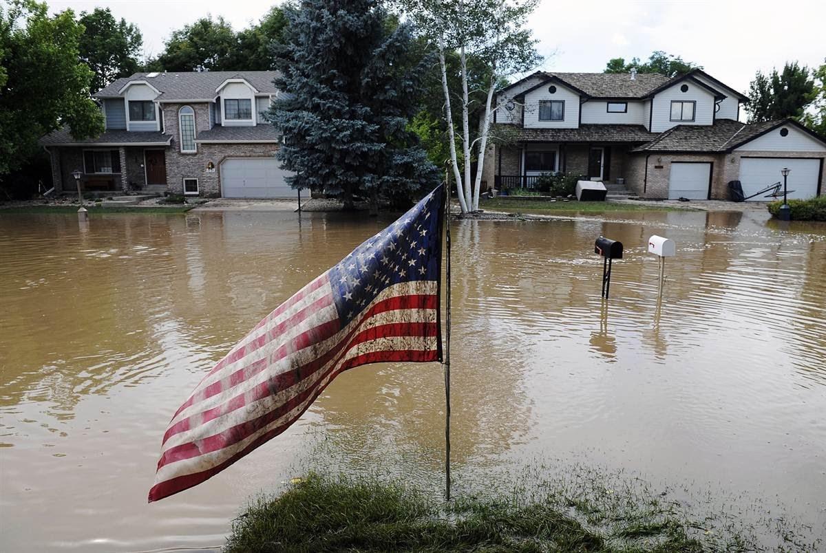 عواصف قوية وفيضانات تجتاح وسط الولايات المتحدة