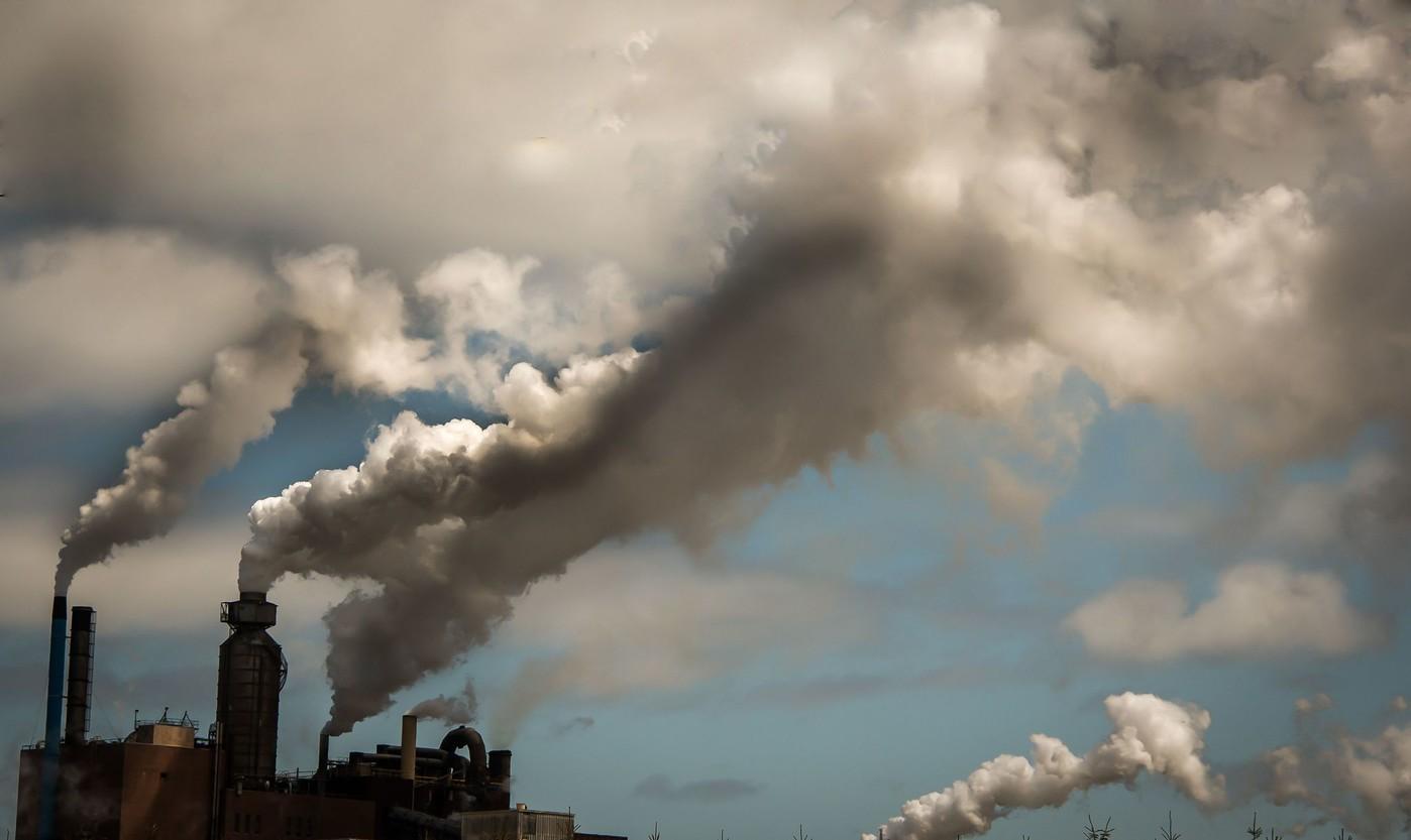 دراسة أمريكية: تلوث الهواء يزيد خطر إصابة الأطفال بالقلق والاكتئاب