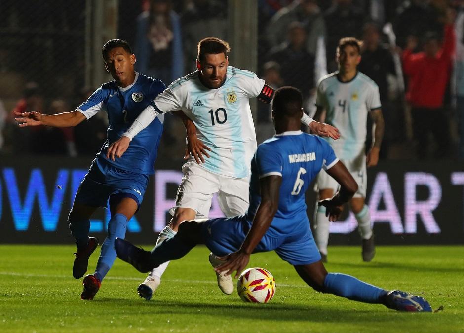 ميسي يسجل ثنائية ويقود الارجنتين الى فوز كبير على نيكاراغوا 5-1