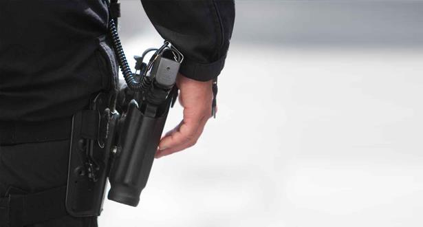 الدار البيضاء.. دورية للدراجين تضطر لاستخدام سلاحها الوظيفي لتوقيف شخص عرض حياة المواطنين وعناصر الشرطة للخطر