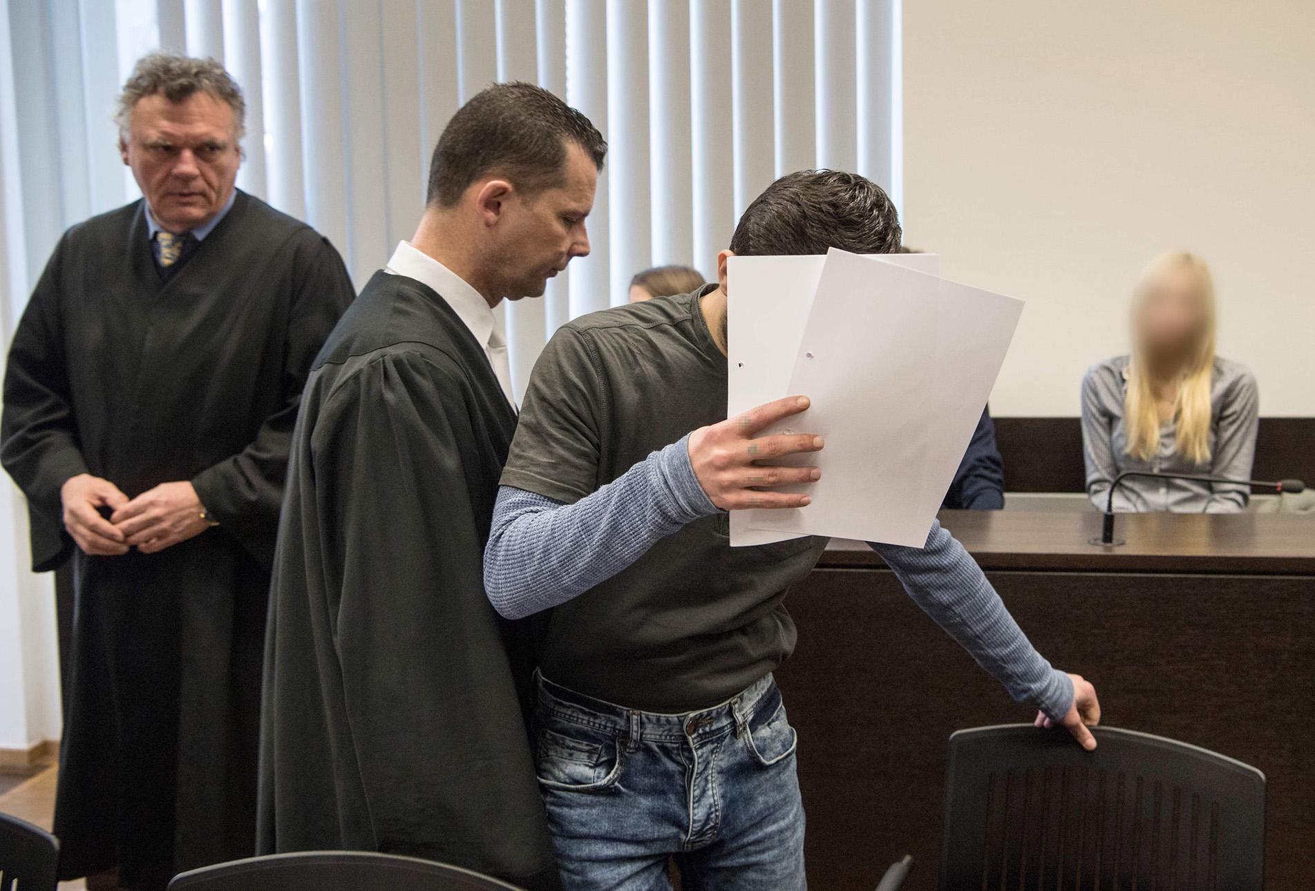 الحكم بالسجن مدى الحياة على لاجئ عراقي بتهمة قتل فتاة ألمانية