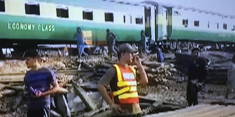تسعة قتلى على الأقل في حادث تصادم بين قطارين في وسط باكستان