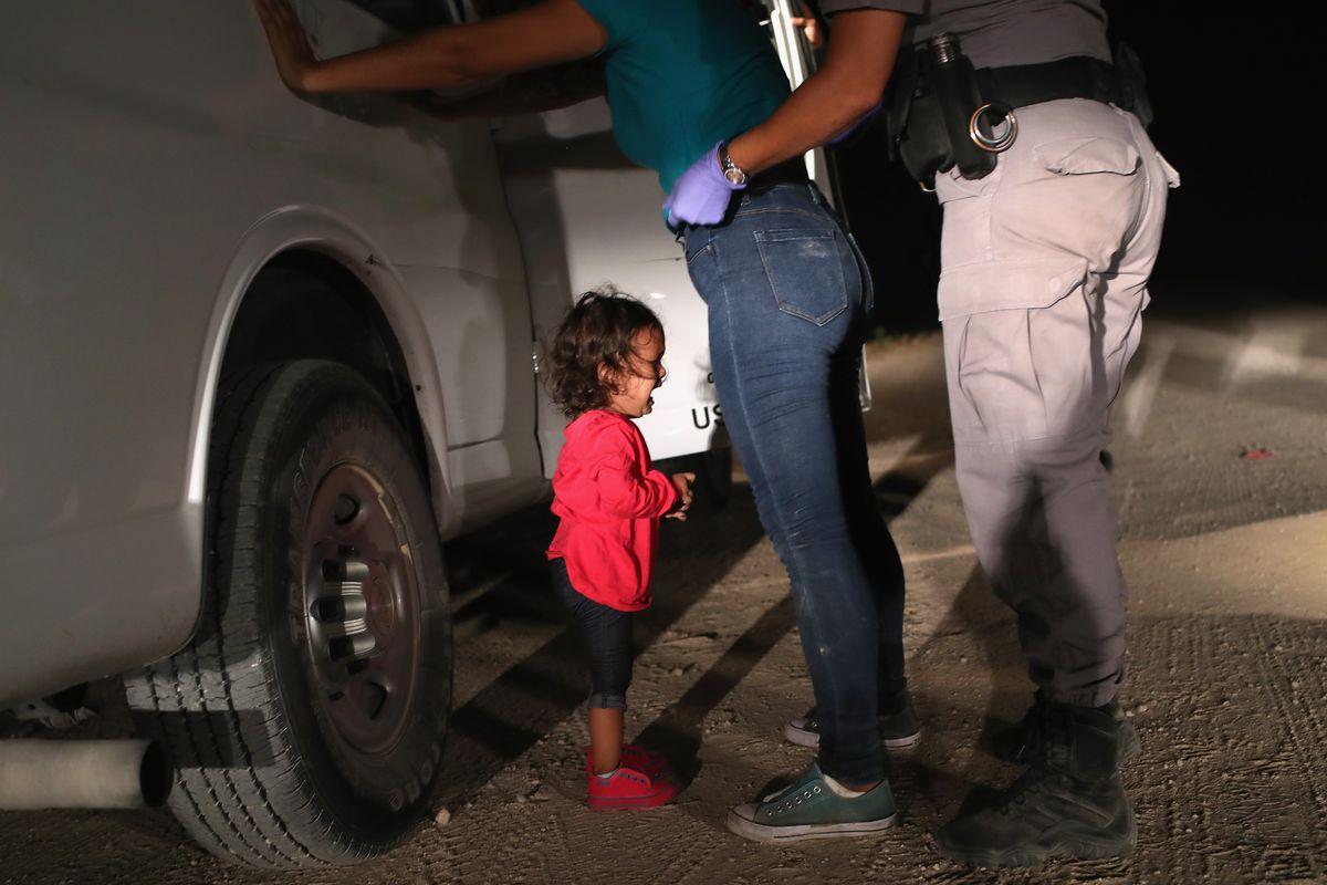أكثر من 900 طفل تم فصلهم عن ذويهم المهاجرين على الحدود الأمريكية منذ 2008