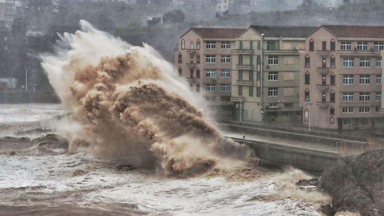 """الصين.. ارتفاع حصيلة ضحايا إعصار """"ليكيما"""" إلى 32 قتيلا وتضرر أكثر من 5 مليون شخص"""