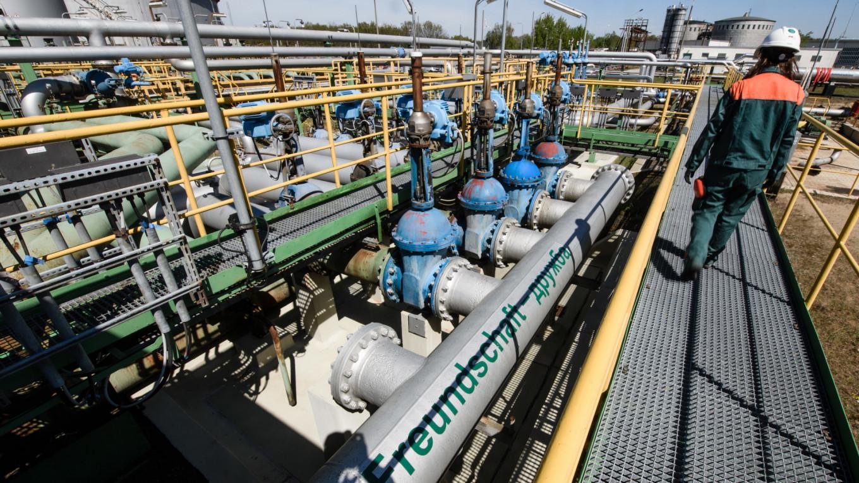 """حادثة تلوث النفط """"دروجبا"""" جلبت أضرارا وخسائر لروسيا ويجب تجنب تكرارها"""