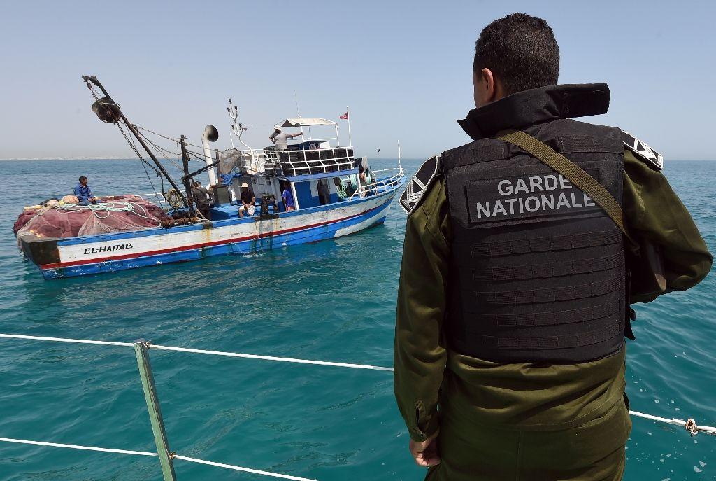 إنقاذ 26 مهاجرا سريا بعرض السواحل التونسية