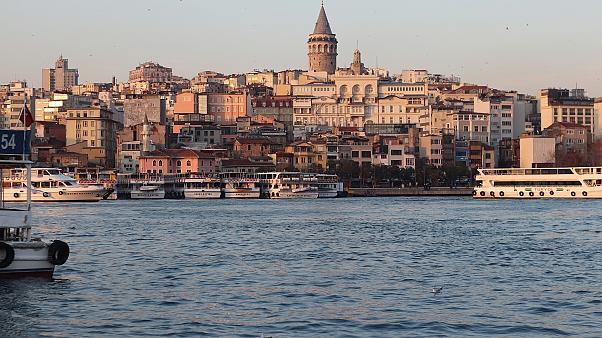زلزال بقوة 5,8 درجات يضرب مدينة إسطنبول