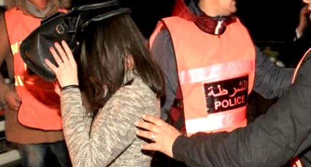 توقيف 11 شخصا على صلة بعصابة مختصة في الاحتجاز و الابتزاز الجنسي والسرقة