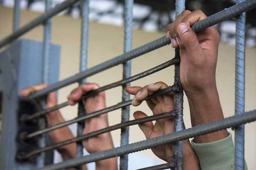 29 أسيرا فلسطينيا يخضون إضرابا عن الطعام احتجاجا على أوضاعهم المأساوية
