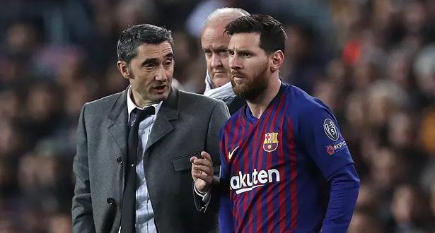 رئيس برشلونة يعلق على إمكانية مغادرة ميسي