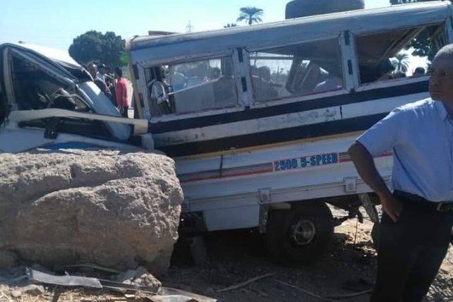 مصرع أربعة أشخاص في حادث تصادم قطار وسيارة في مصر