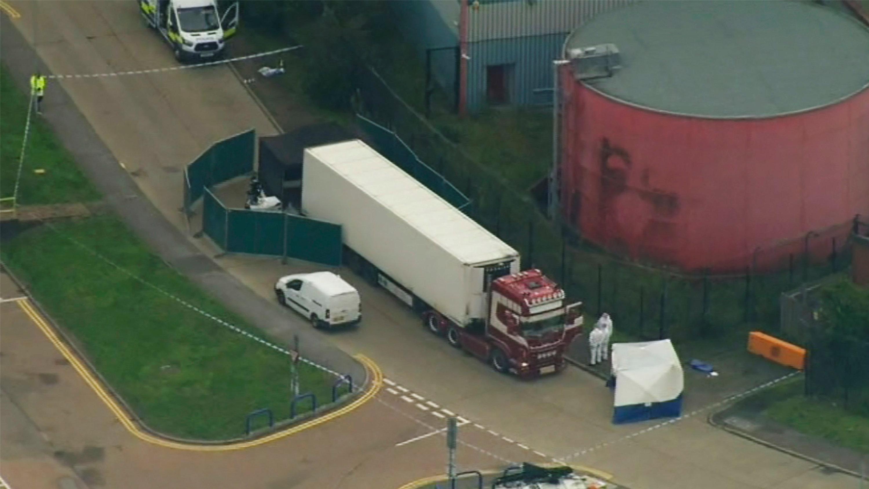شاحنة الجثث..السفارة الصينية في لندن تحقق إلى جانب الشرطة في جنسيات الضحايا