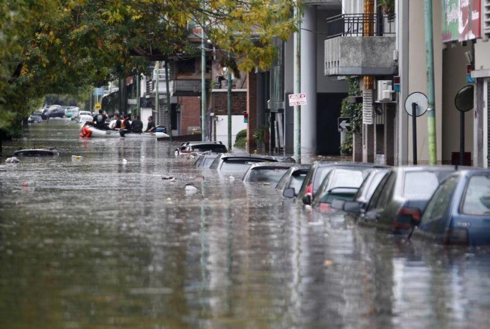 الأرجنتين .. إجلاء نحو 6000 شخص ضواحي العاصمة بسبب الفيضانات