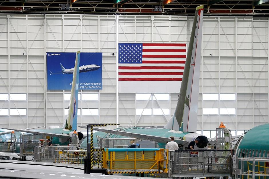 """الصناعات الأمريكية تدخل """"مرحلة الخطر""""..الولايات الداعمة لترامب أكثر تأثرا!"""