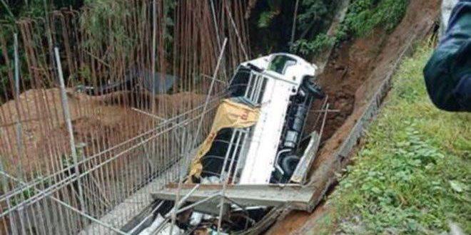 مصرع 18 شخصا جراء سقوط شاحنة في واد بشمال الفلبين