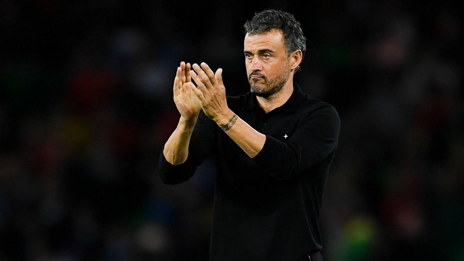 بعد فترة توقف بسبب مرض ابنته بالسرطان...إنريكي يعود للاشراف على المنتخب الإسباني