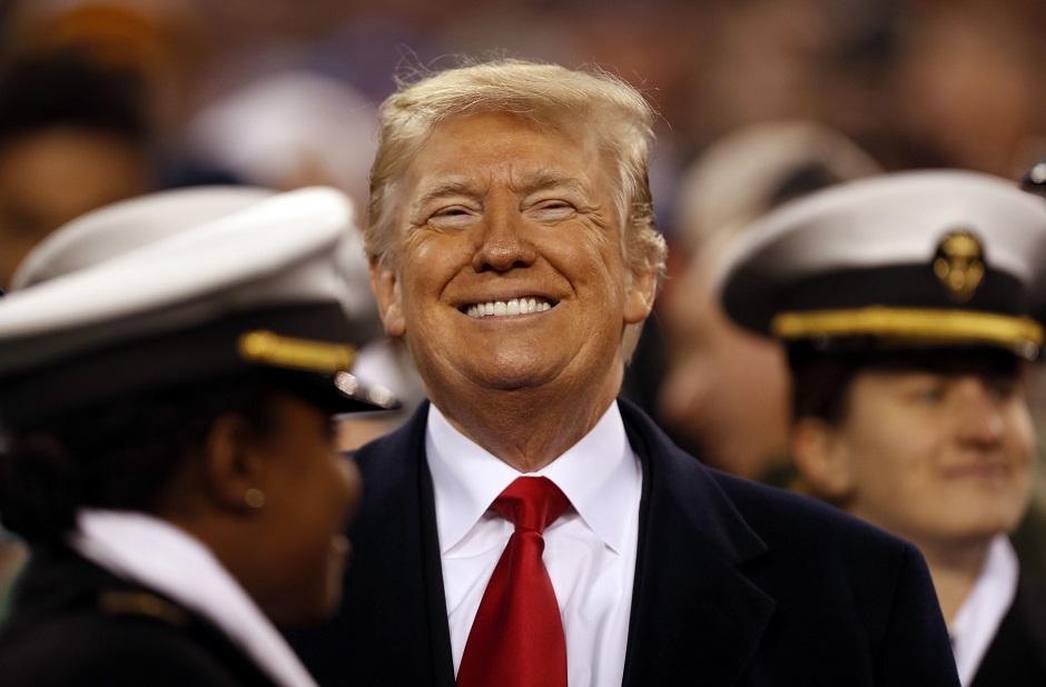 رغم التحذيرات..ترامب يعفو عن عسكريين متهمين بجرائم حرب