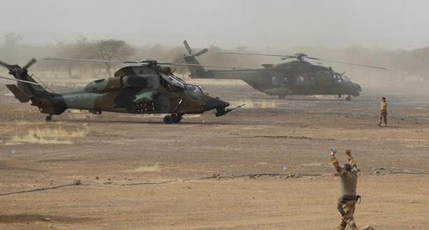 مقتل 13 عسكريا فرنسيا في حادث بين مروحيتين في مالي