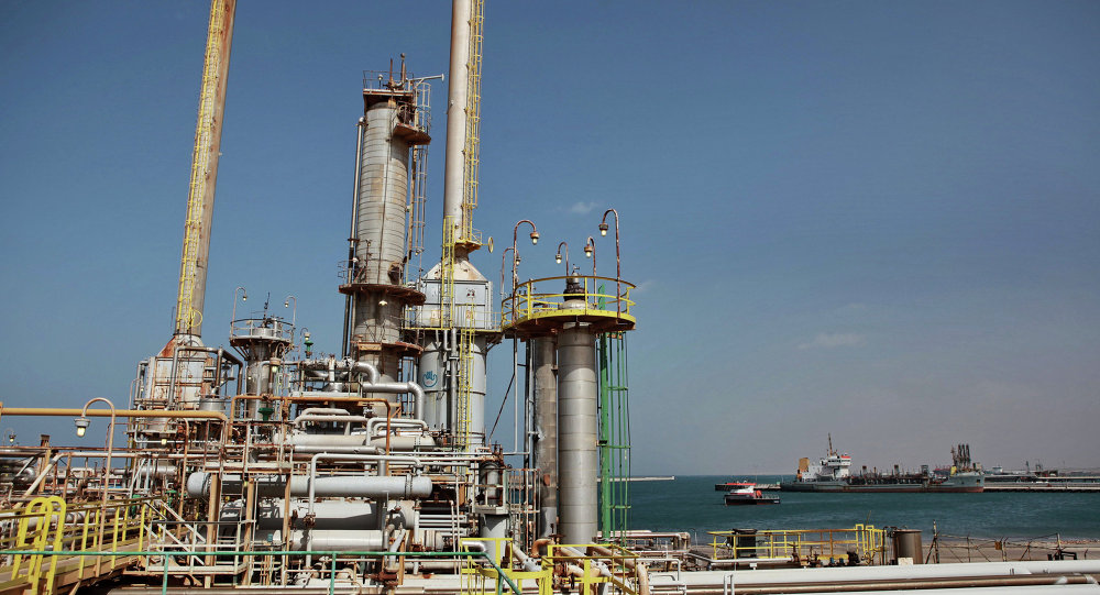 الأزمة الليبية تلقي بظلالها على قطاع النفط (تحليل أحمد الديب)