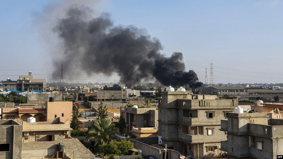 مقتل خمسة مدنيين في قصف جوي بضاحية طرابلس