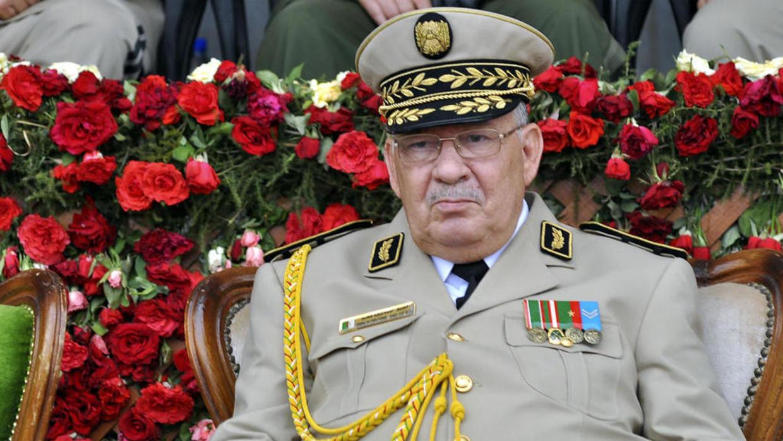 وكالة الأنباء الجزائرية: وفاة أحمد قايد صالح قائد الأركان الجزائري