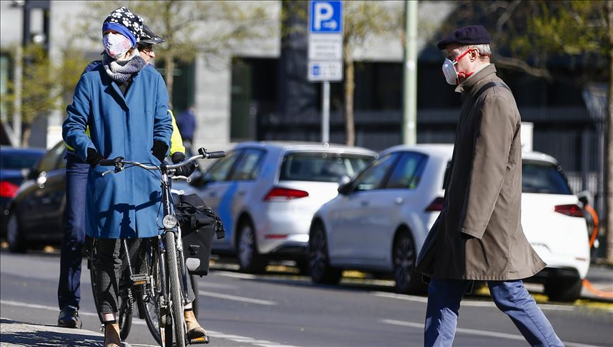 مطالب برفع إلزامية ارتداء الكمامات تثير جدلا في ألمانيا